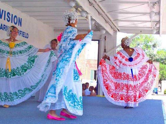 web 0203 Small World dancers