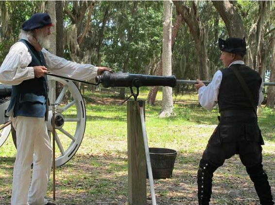 Fort Morris canon demo