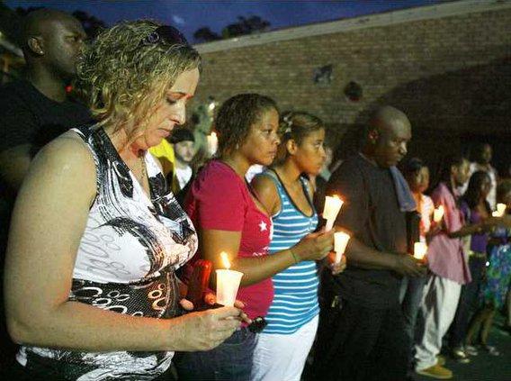 candle light vigil.1
