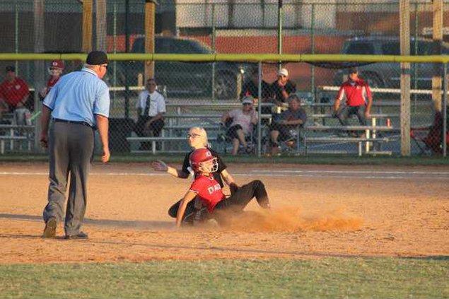 RH softball 1019 024