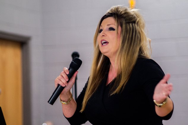 Donna Jackson sings at concert