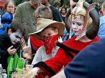 Families swarm Scarecrow Stroll