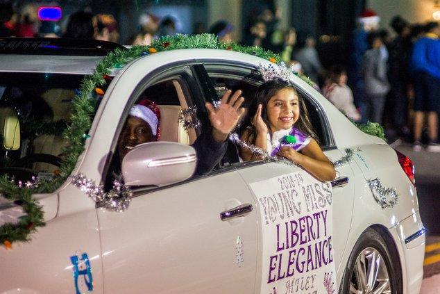 beauty queen christmas parade