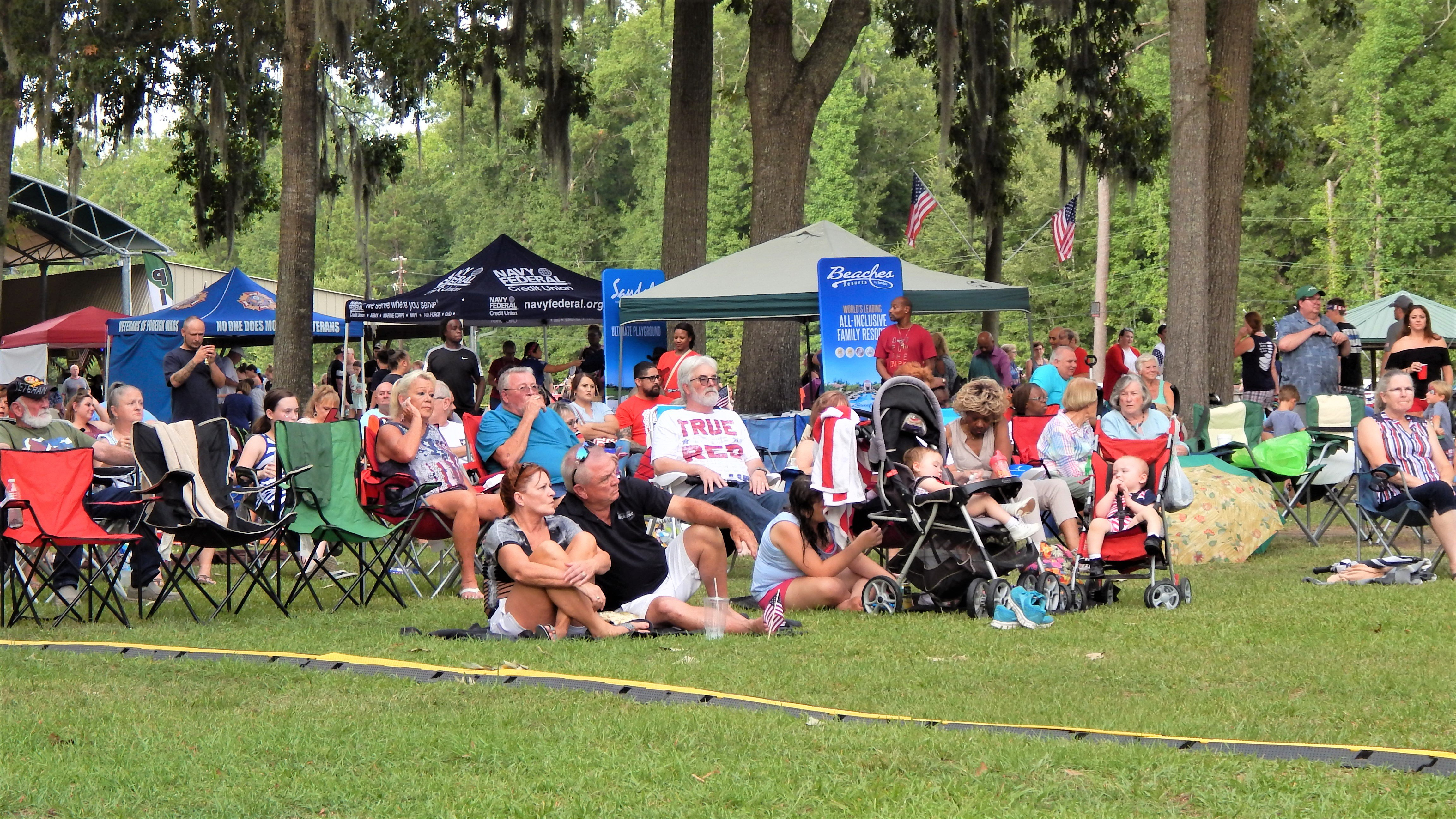 Crowds brought their blankets and lawn chairs to enjoy the music by The Tams. Photo by Mark Swendra.