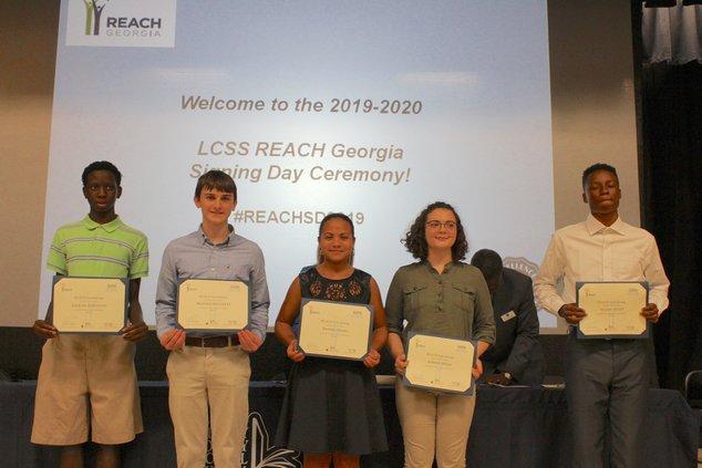 REACH scholars