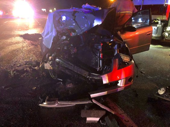 Woman dies in car accident