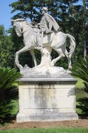 Lee statue
